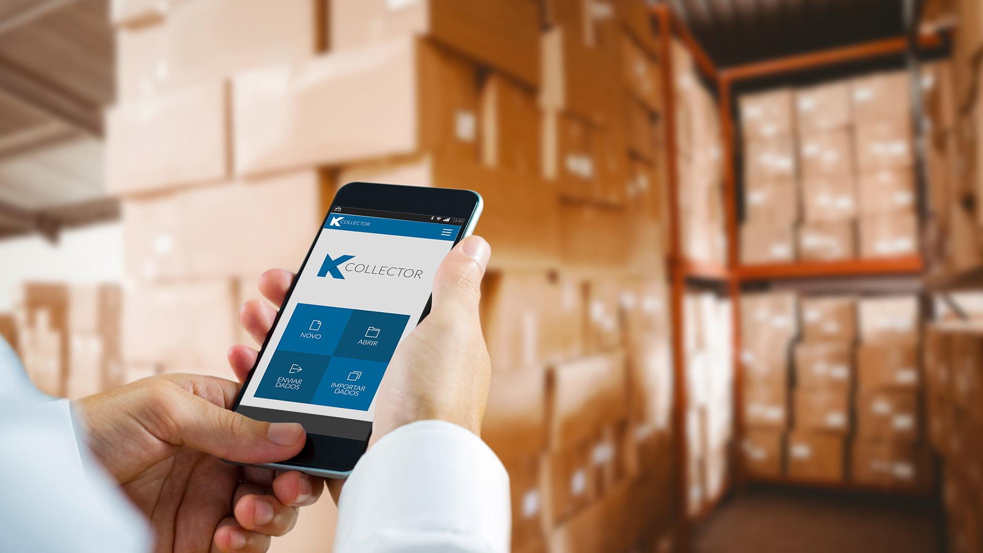 Coletor de dados Celular em mãos utilizando o KCollector