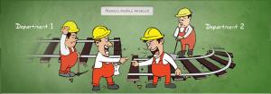 Trabalhadores nos trilhos discutindo problemas